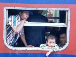 Potret Kereta Kelas Ekonomi